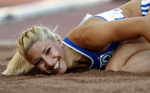 Atleta griega fue expulsada de Londres 2012 por broma racista hecha en Twitter