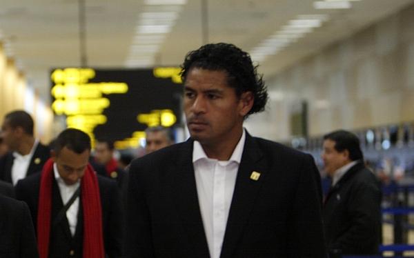 ¿Firmará por la 'U'?: Santiago Acasiete regresa a Lima para definir su futuro