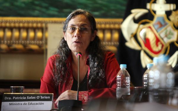 Ministra Salas aseguró que aumento de sueldos a maestros será este año