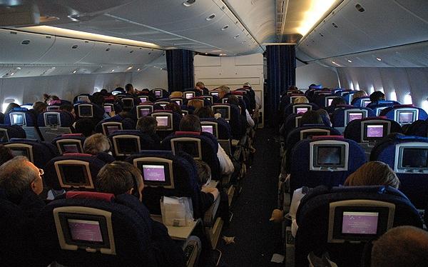 ¿Cómo prefieres pasar el tiempo cuando viajas en avión?
