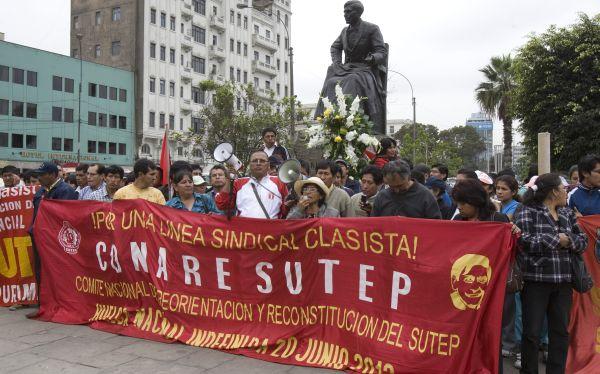 Asesor de ministra Salas se reunió con facción prosenderista del Sutep