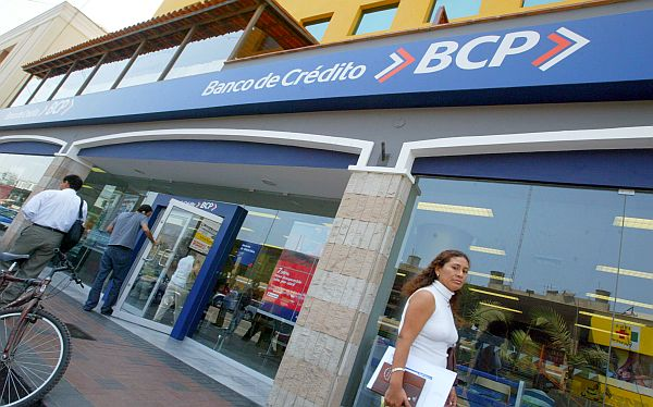 Indecopi investiga a banco local por cobro indebido a clientes