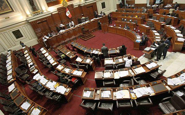 Pugna en el Parlamento por presidencia de la Comisión de Economía
