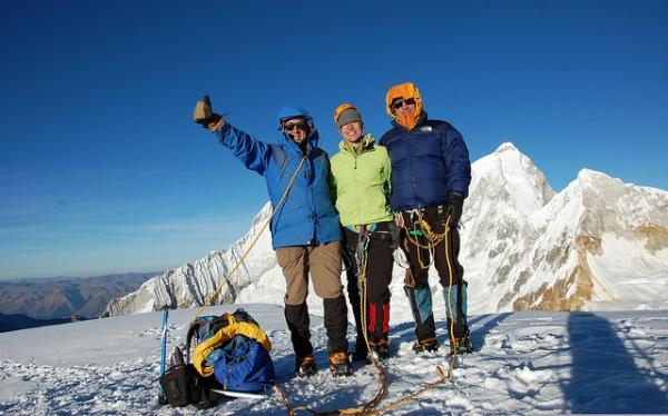 Cinco nevados de la Cordillera Blanca ideales para comenzar a practicar montañismo