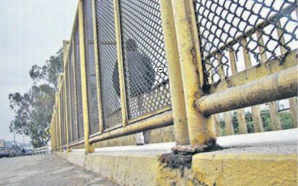 Los principales puentes de Lima tienen barandas en mal estado