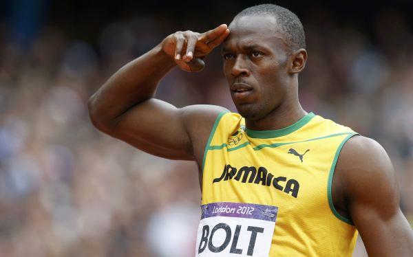 Usain Bolt pasó a la final de los 200 m sin complicaciones