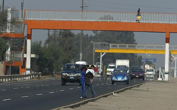 Construirán diez puentes en Vía de Evitamiento, Panamericana Sur y Norte