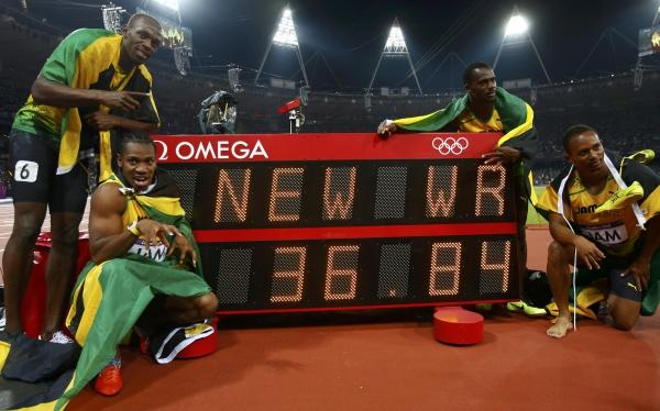 Usain Bolt ganó su tercera medalla de oro con nuevo récord mundial en los 4x100 metros