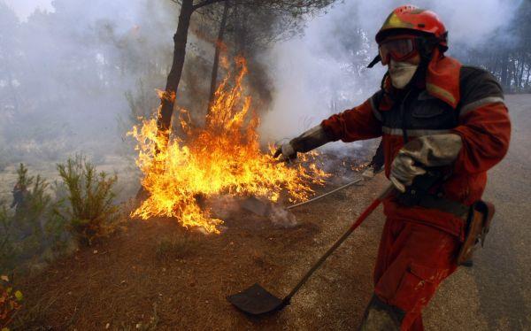 Incendios forestales dejan 2 bomberos muertos en España