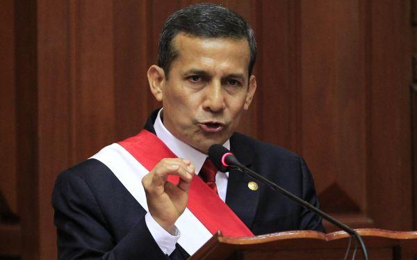 """Ollanta Humala a maestros: """"En un año estamos haciendo lo que muchos no hicieron"""""""