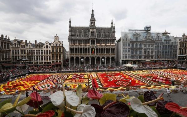 La tradición que cada dos años llena de color la capital de Bélgica