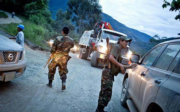 FF.AA. podrán incautar drogas y detener a sospechosos en zonas de emergencia