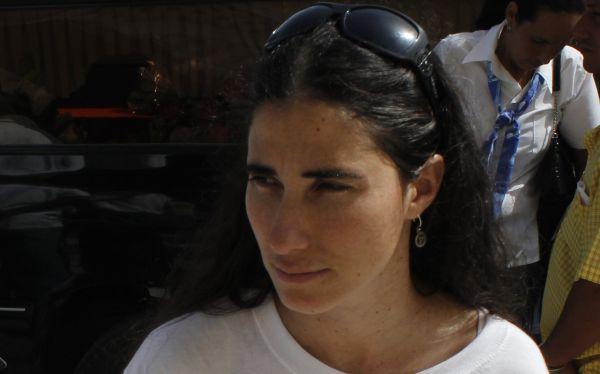 Yoani Sánchez considera paradójico que Assange reciba asilo de Ecuador