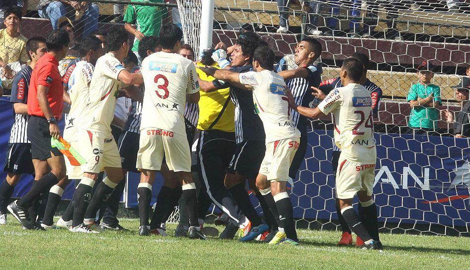 FOTOS: la bronca entre 'Chiquito' Flores y Pancho Pizarro al detalle