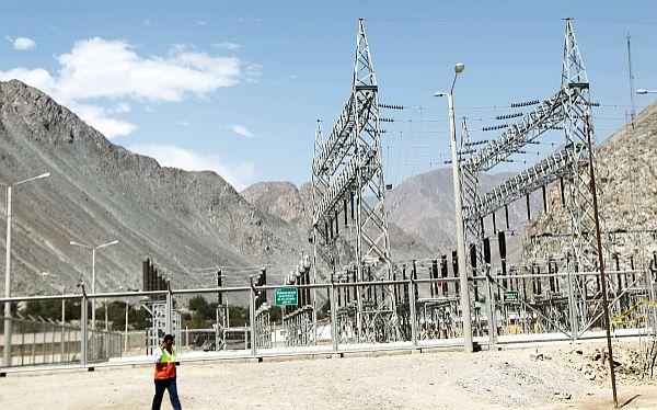 Tarifa eléctrica subiría hasta 40% si se paraliza el gasoducto de Camisea