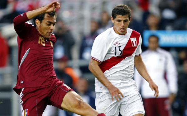 Estrella venezolana Juan Arango no jugaría ante Perú