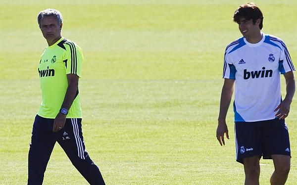 José Mourinho no tomó en cuenta a Kaká para enfrentar a Barcelona