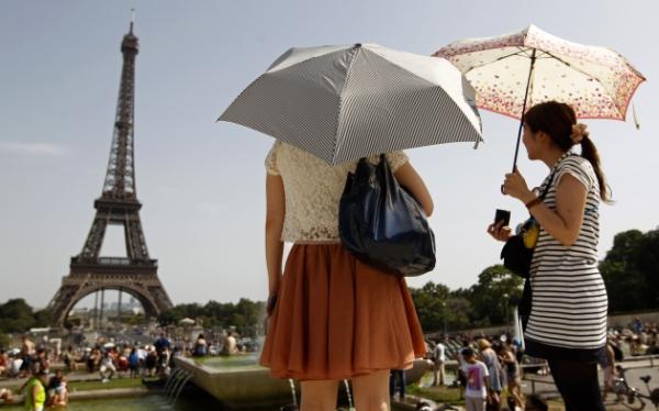 París se convirtió en el primer destino mundial al recibir 40 millones de turistas