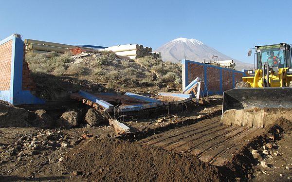 Arequipa: familias fueron afectadas por desembalse de reservorio de agua