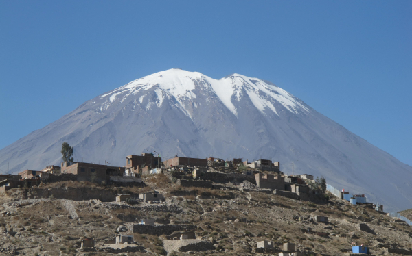 IGP y la NASA investigarán volcanes de Arequipa desde el cielo
