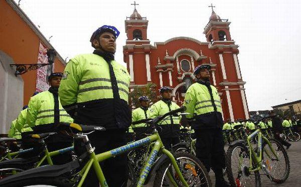 Sesenta mil policías brindarán seguridad en carreteras por  fin de semana largo