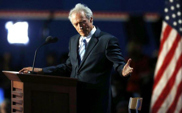 """Clint Eastwood apoya a Mitt Romney: """"Es hora de que otro resuelva los problemas de EE.UU."""""""