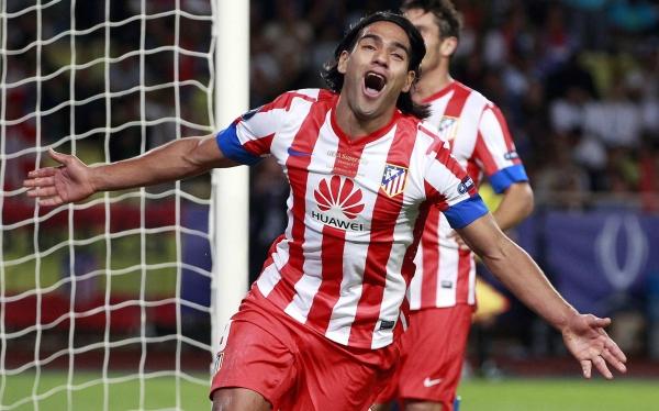 Atlético Madrid campeón de la Supercopa de Europa: goleó 4-1 al Chelsea con triplete de Falcao