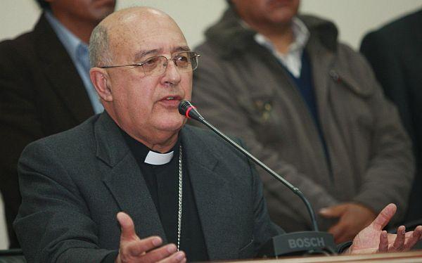 """Arzobispo de Huancayo culpó a """"infiltrados"""" por violencia en Jauja"""