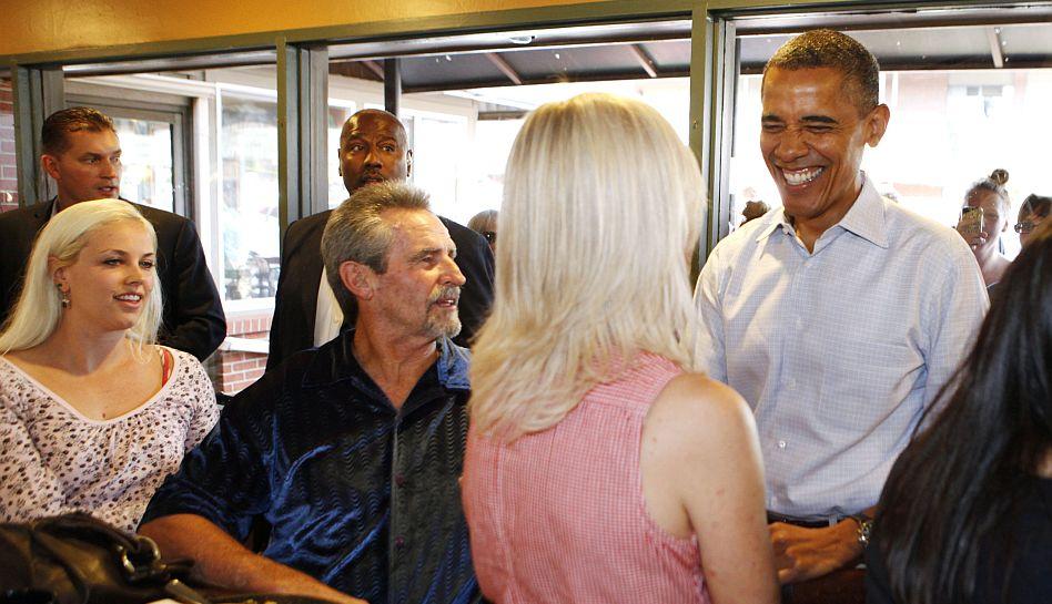FOTOS: Barack Obama visitó de sorpresa un restaurante de Colorado