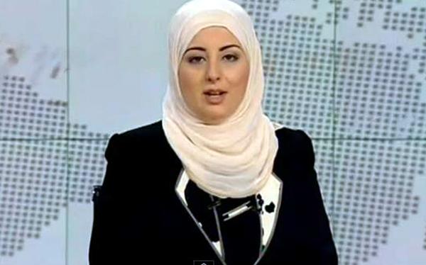 Noticias egipcias son anunciadas por primera vez por una mujer con velo