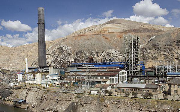 SNMPE: Inversión minera caerá 33% el próximo año