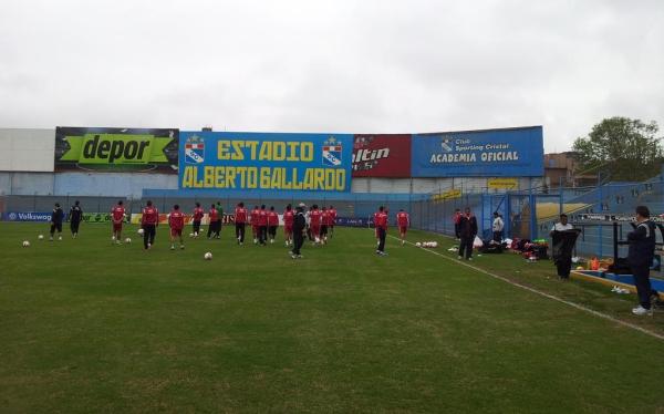 Perú entrenó en el estadio Alberto Gallardo para evitar ser espiado