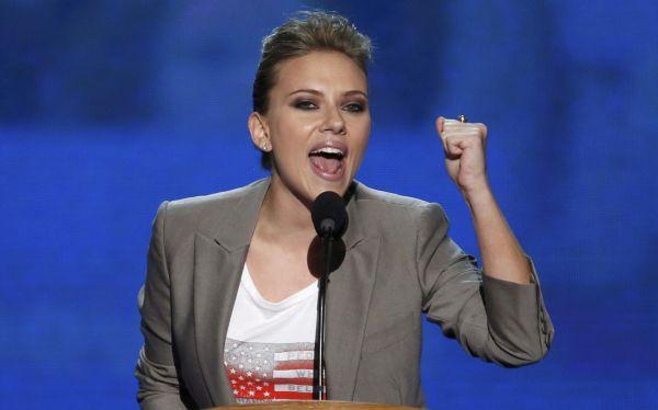 Scarlett Johansson y Eva Longoria apoyan a Obama en Convención Demócrata
