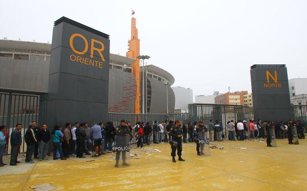 Vías cercanas al Estadio Nacional están cerradas por partido Perú-Venezuela