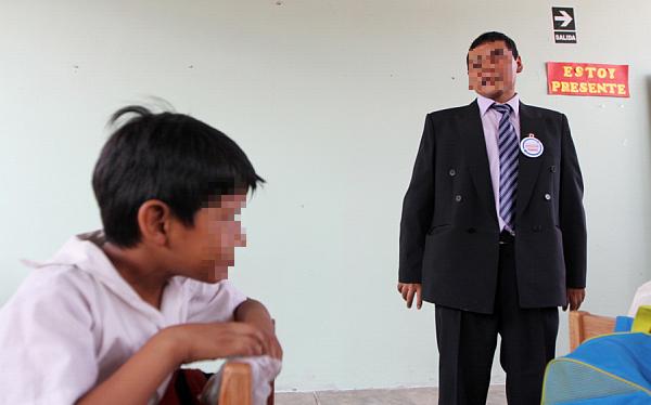 Profesor que agredió con un lapicero a escolar en Puno fue separado