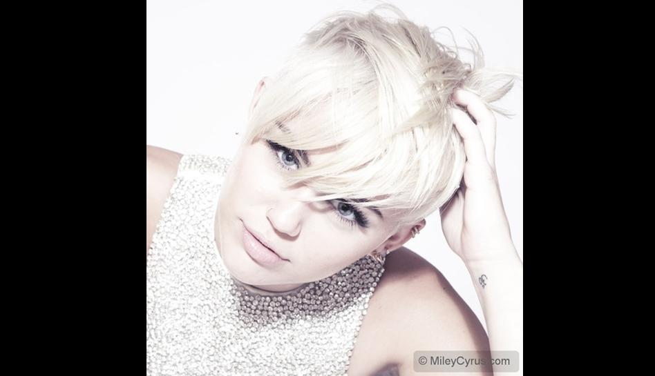 FOTOS: Miley Cyrus lució un radical cambio de look en una sesión fotográfica