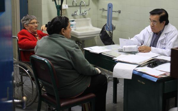 Médicos de Essalud atenderán horas extras a pacientes afectados por paro