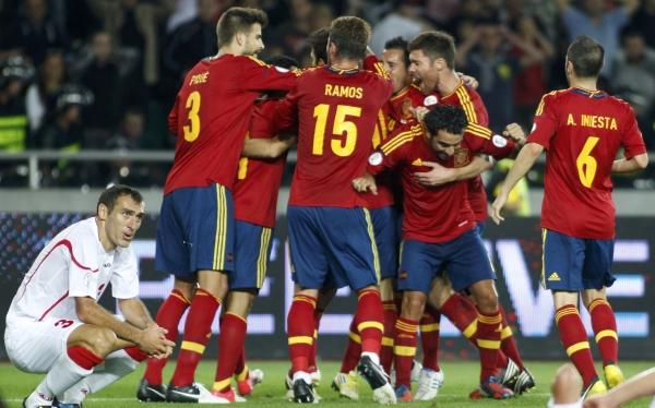 España ganó 1-0 a Georgia en su debut en las Eliminatorias Brasil 2014