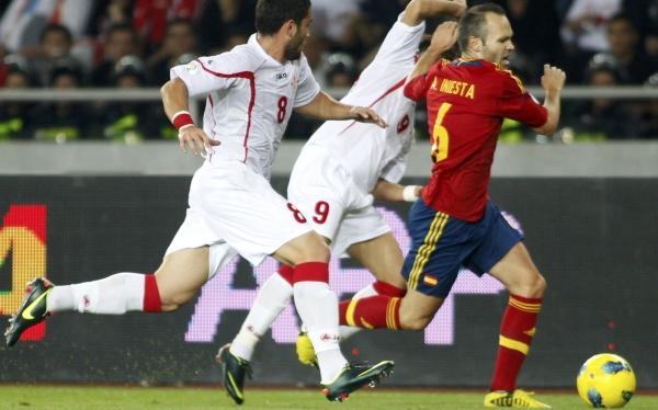 Iniesta se lesionó y se perderá el debut del Barza en la Champions