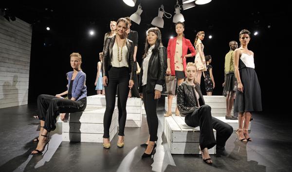 Katie Holmes presentó línea de ropa en Semana de la Moda de Nueva York