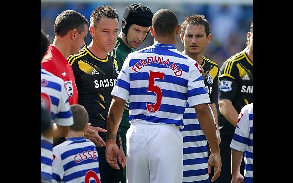 Ferdinand no le dio la mano a Terry tras denuncia de racismo