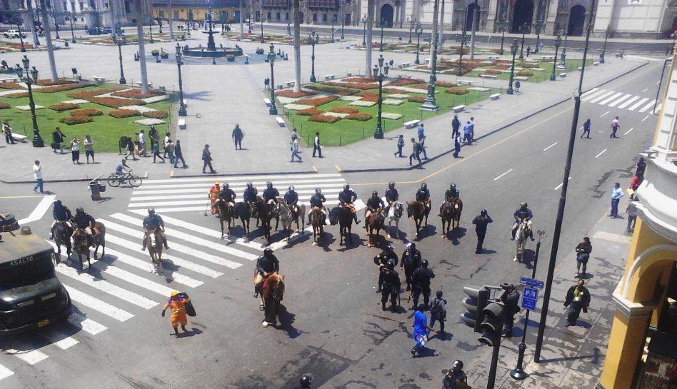 FOTOS: protesta del Sutep provocó caos en la Plaza de Armas de Lima y alrededores