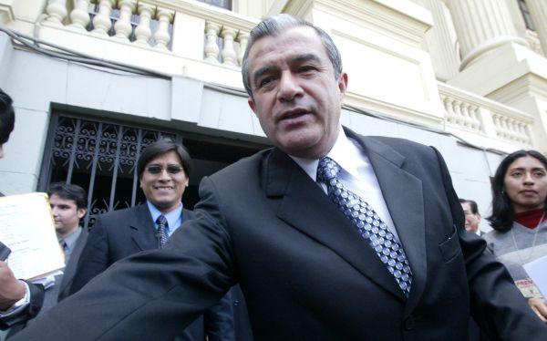 El presidente de Essalud, Álvaro Vidal, renunció al cargo
