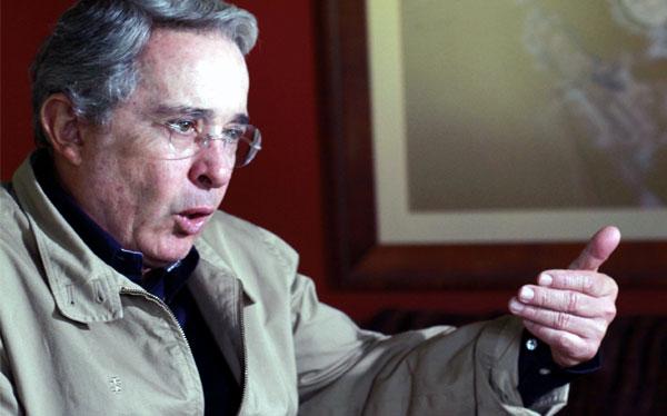 """Álvaro Uribe: """"No soy ni Pinochet ni Fujimori"""""""