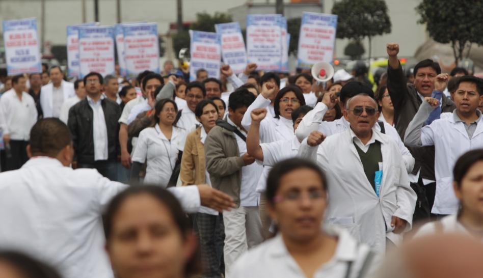 Sueldo de médicos en huelga será descontado a partir de esta semana