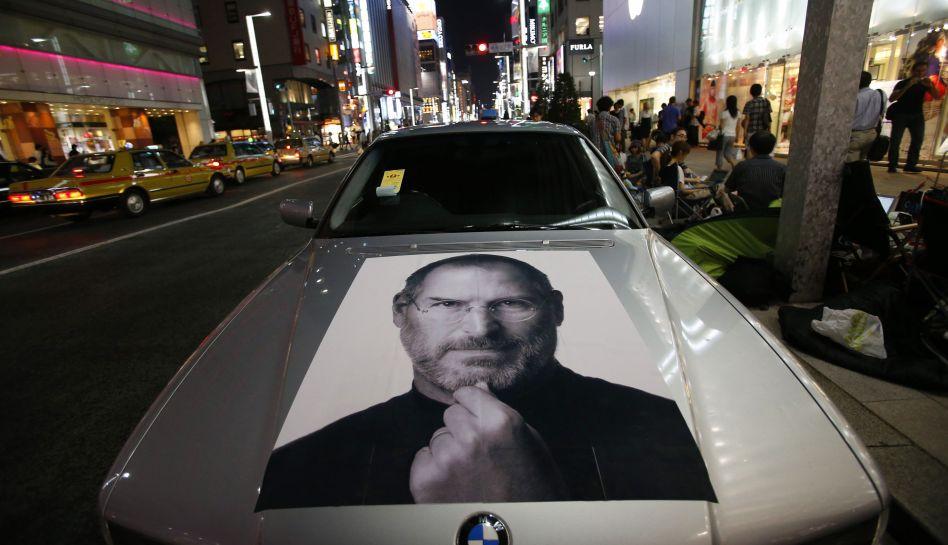 FOTOS: miles hacen colas en Tokio y Nueva York por iPhone 5 y Samsung se burla de ellos