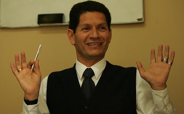"""Gilberto Hidalgo sobre Chang: """"Hasta un ciego veía"""" los penales que no cobró"""