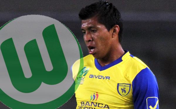 Rinaldo Cruzado es pretendido por Wolfsburgo, según portal italiano