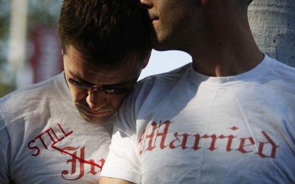 Hombre gastó US$30 mil en exorcismos y tratamientos para dejar de ser gay