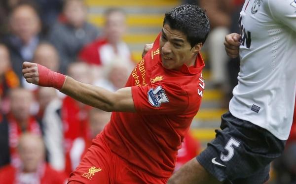 En Liverpool creen que a Luis Suárez lo condena su pasado en la Liga Premier